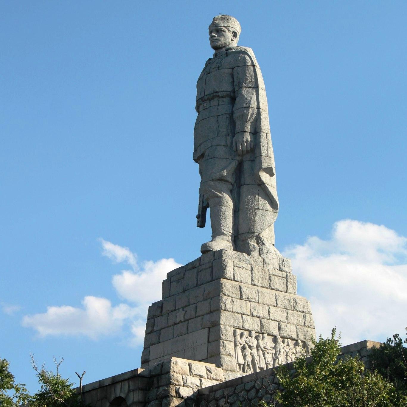 Памятник Алеше в Болгарии