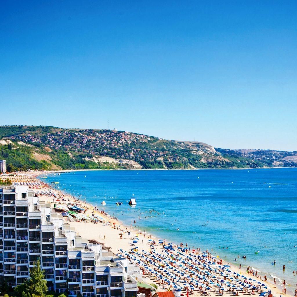 Вид на пляж золотых песков в болгарии